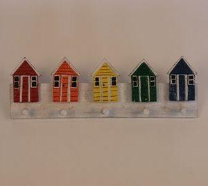 Handgemaakte gekleurde strandhuisjes kapstok