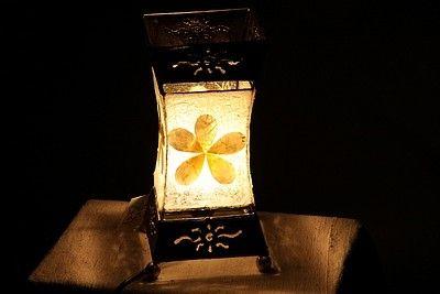 Handgemaakte schelpenlamp uit Indonesië