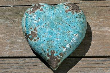 Hart turquoise aardewerk 15 cm