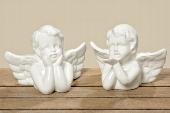 wit porseleinen engeltje