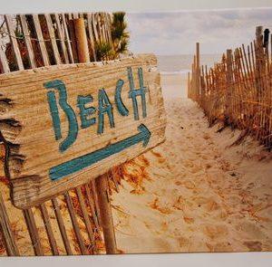 Duinlandschap met Beach bordje op canvas linnen op houten frame, 40x50cm.