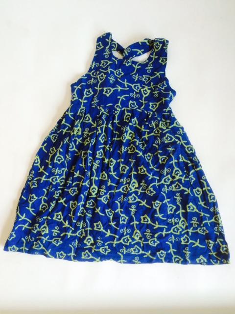 Batik zomerjurkje voor meisje - leeftijd ongeveer 6 of 8 jaar