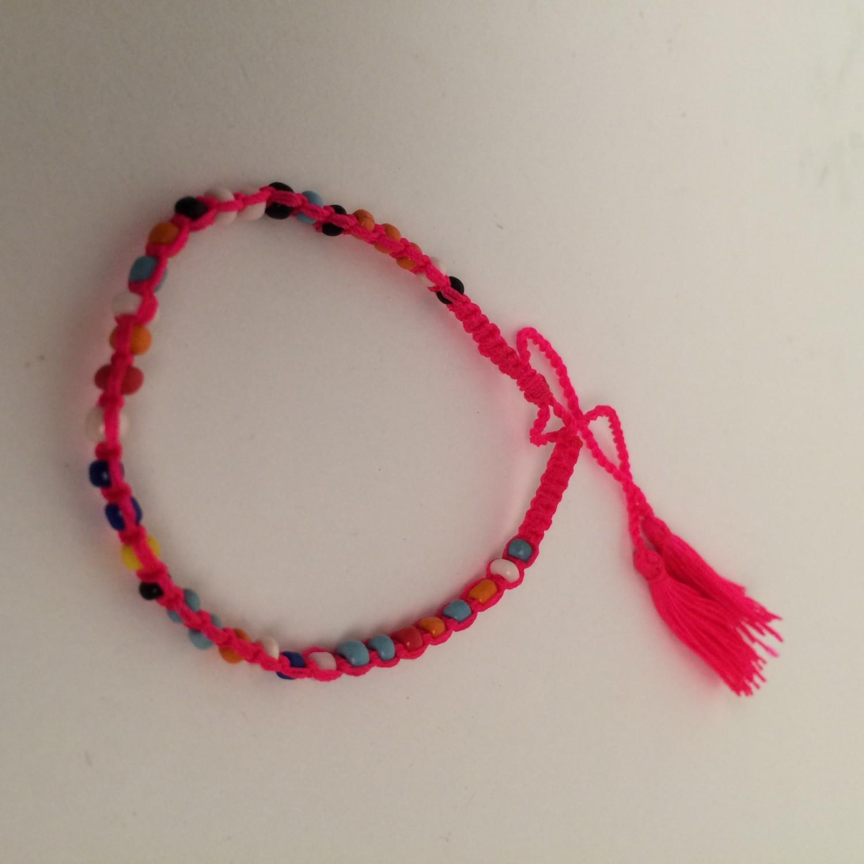 Kinder armbandje - roze - met kraaltjes