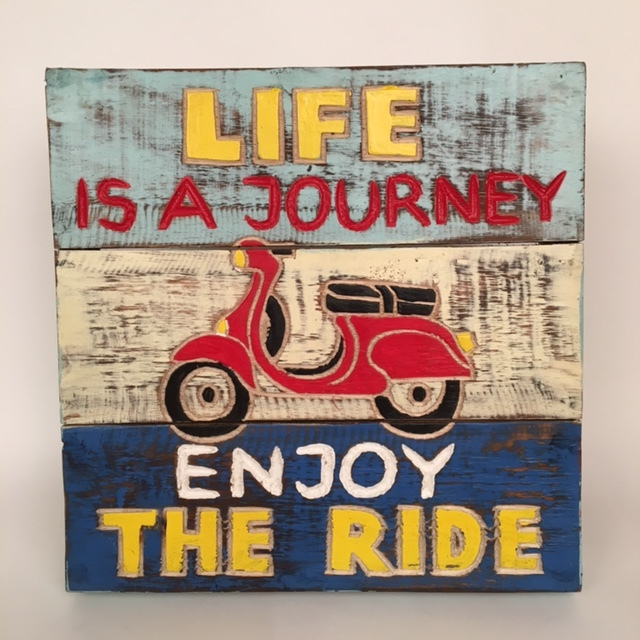 Houten tekstbord - Life is a journey enjoy the ride mint/wit/blauw