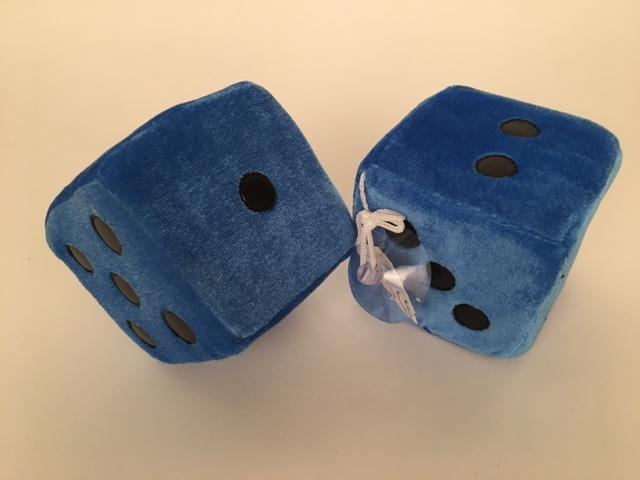 Dobbelstenen pluche ± 9x9 cm blauw 50696