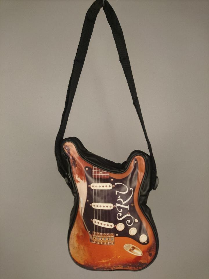 gitaartas SRV 50920