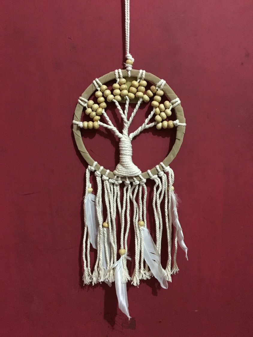 dromenvanger tree of life creme 16cm