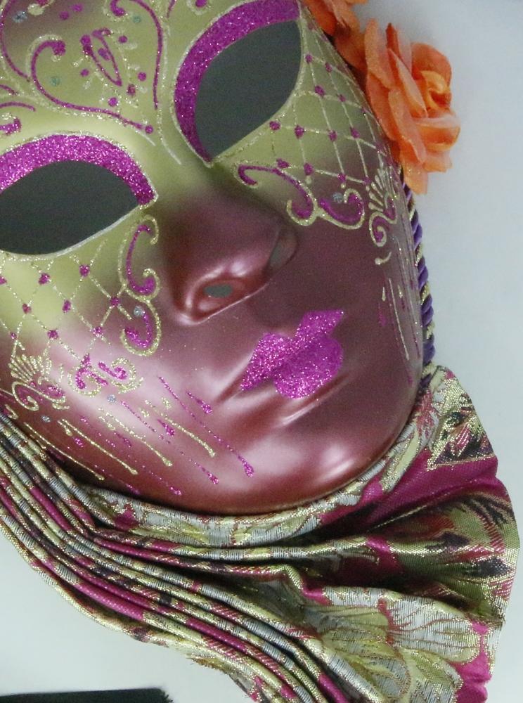 Venetiaans masker, luxe afgewerkt met glitter en bloemen - roze
