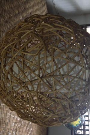 Rotan plafond bollamp naturel met katoen witte kap