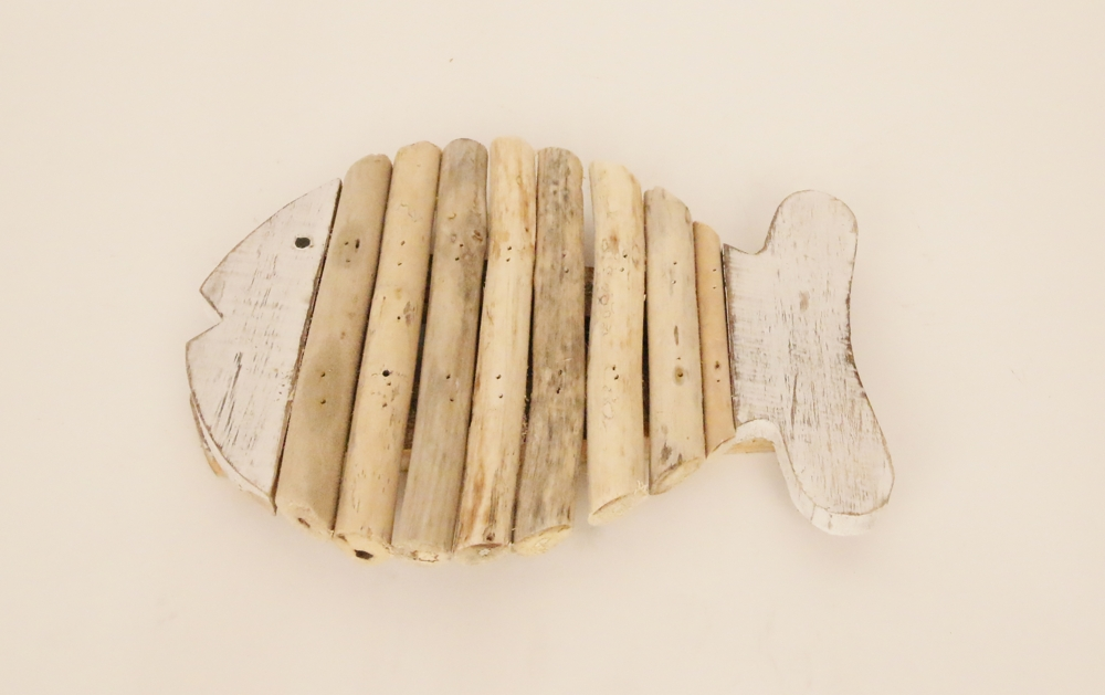 Houten vis pannen onderzetter met drijfhout (whitewash) 20cm