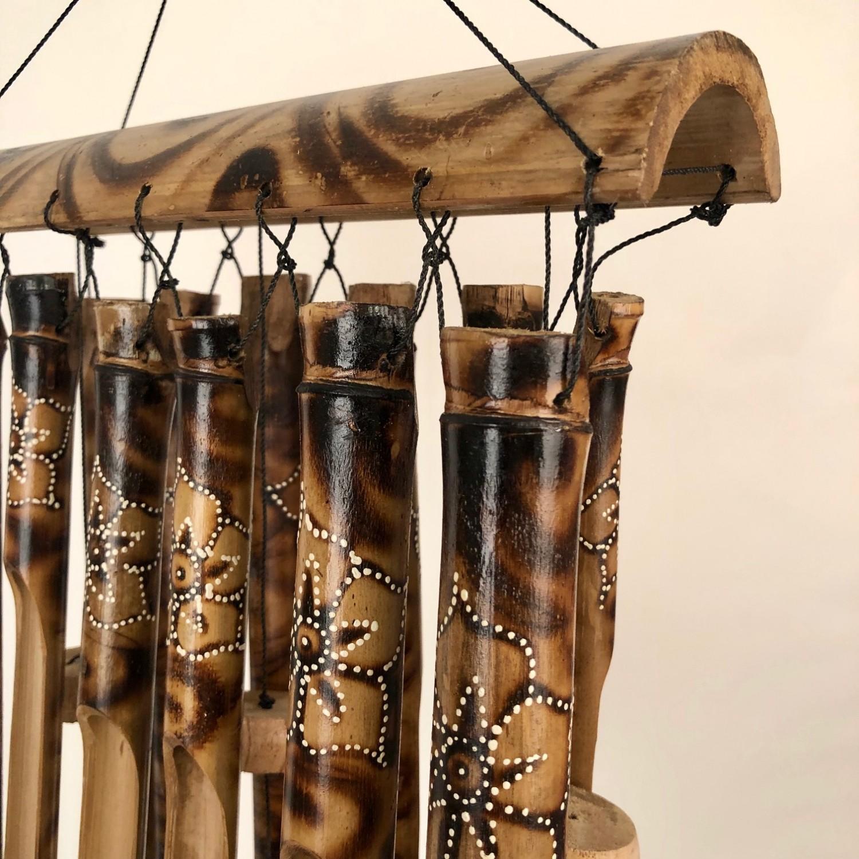 Bamboe windgong bloem/zwart/naturel ±30cm 51356